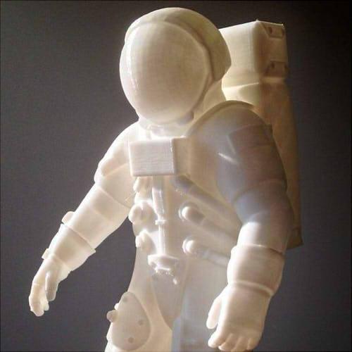 Фото 3д печати фигурки космонавта