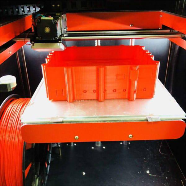 Фото 3D печати красного корпуса