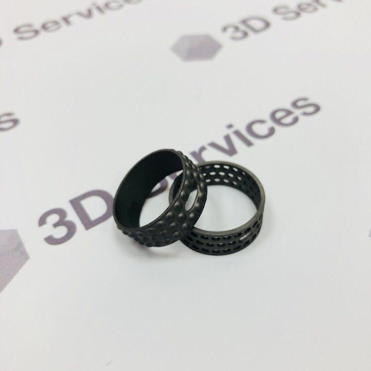 Фото 3D печати колец из титана