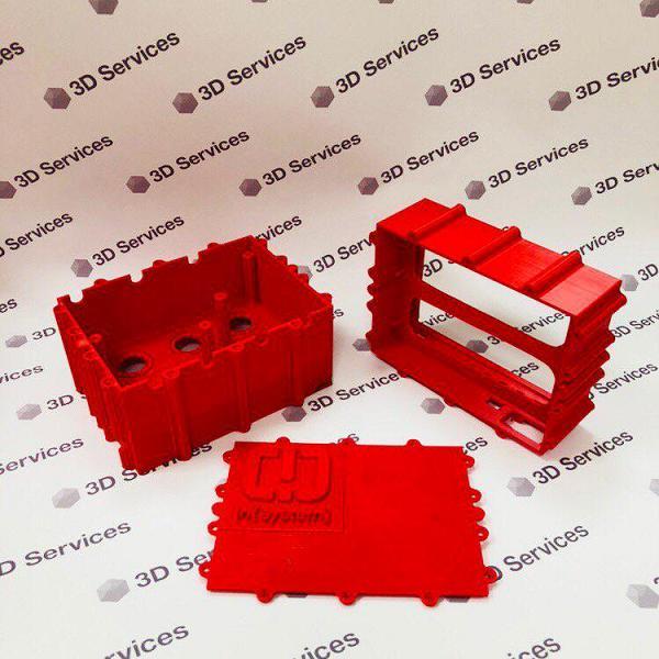 Фото 3D печати деталей красного корпуса