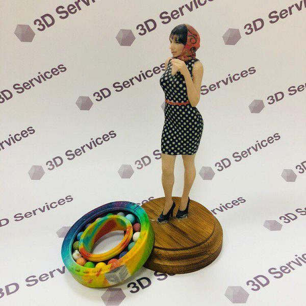 Фото 3D печати женщины из гипса